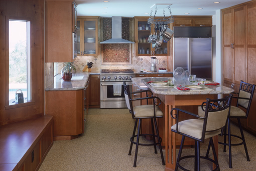Modern Kitchen Cabinets with Alder Wood Shaker Doors and Full Overlay
