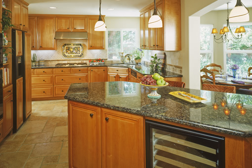 Traditional Kitchen Cabinets with Alder Wood Raised Panels Full Overlay